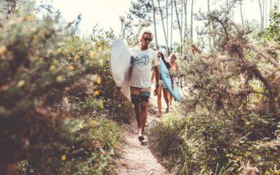 De ultieme jongerenvakantie is een Surflife yoga en surfvakantie