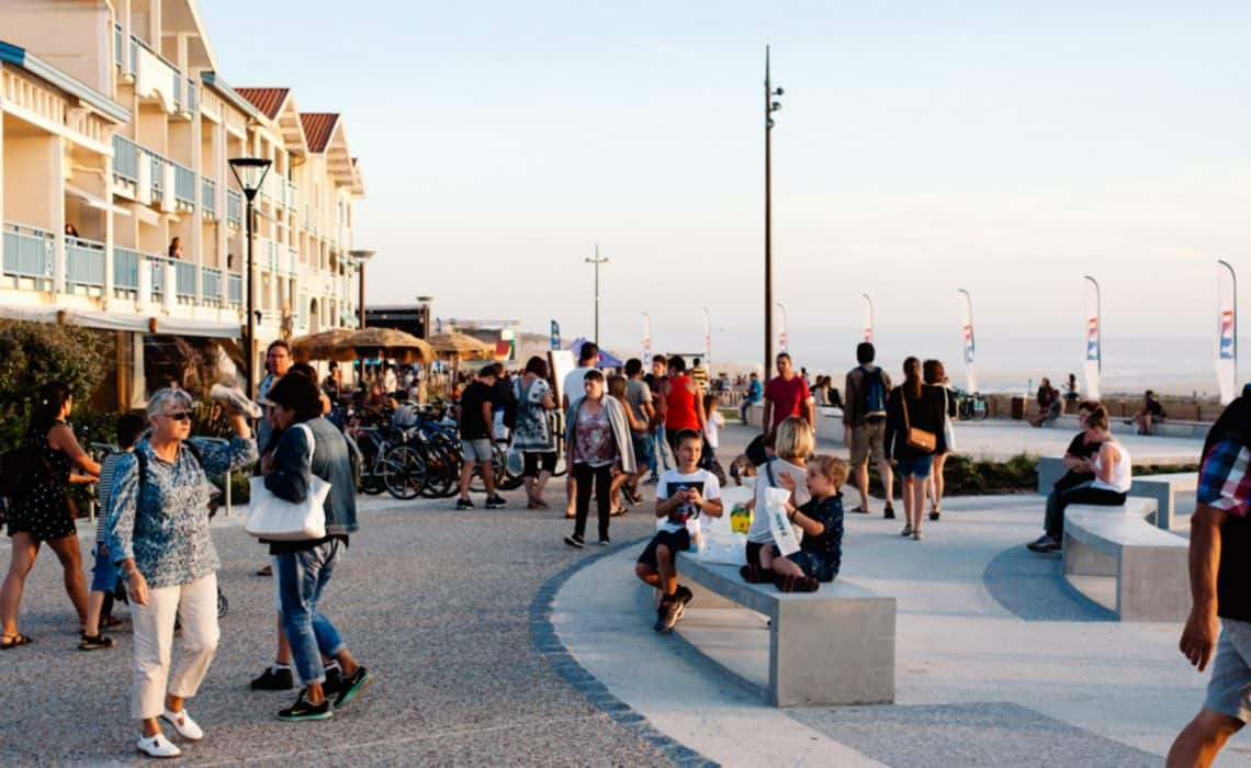 France Mimizan Surflife Family evening boulevard