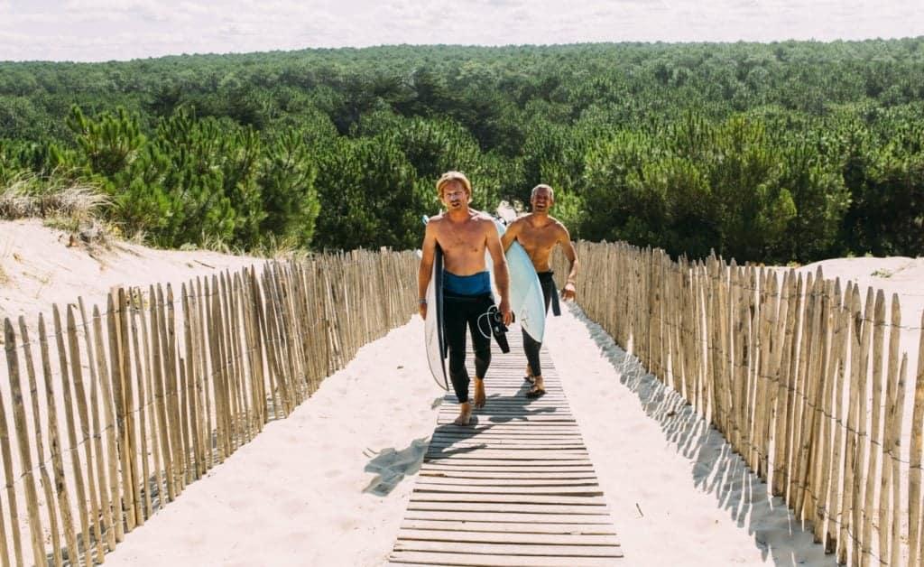 France Single Fin Hotel Lodge dune path surfers