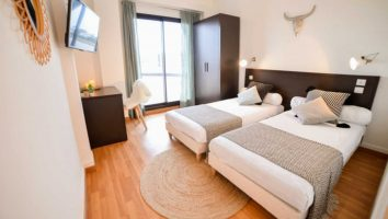 France Single Fin Hotel Lodge room inside 1