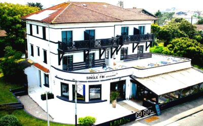 France_Single_Fin_Hotel_front_view_terras_0552-100-boost