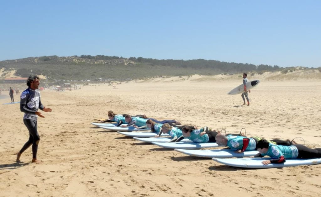 Portugal Atlantic Riders Surfschool surf lesson