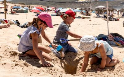 Surflife Family Portugal beach play